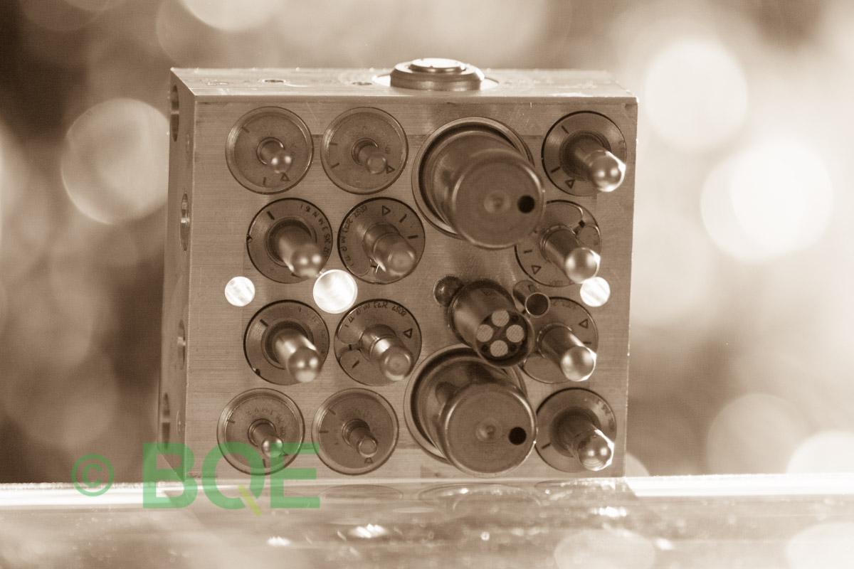Skoda ABS/ESP ATE Mk60, Artnr: 10096003523, 1K0907379M, 10020601424, 1K0614517K, Felkod: 01435, Bromstryckgivare G201, Hydraulblock, Vy: sensorsida
