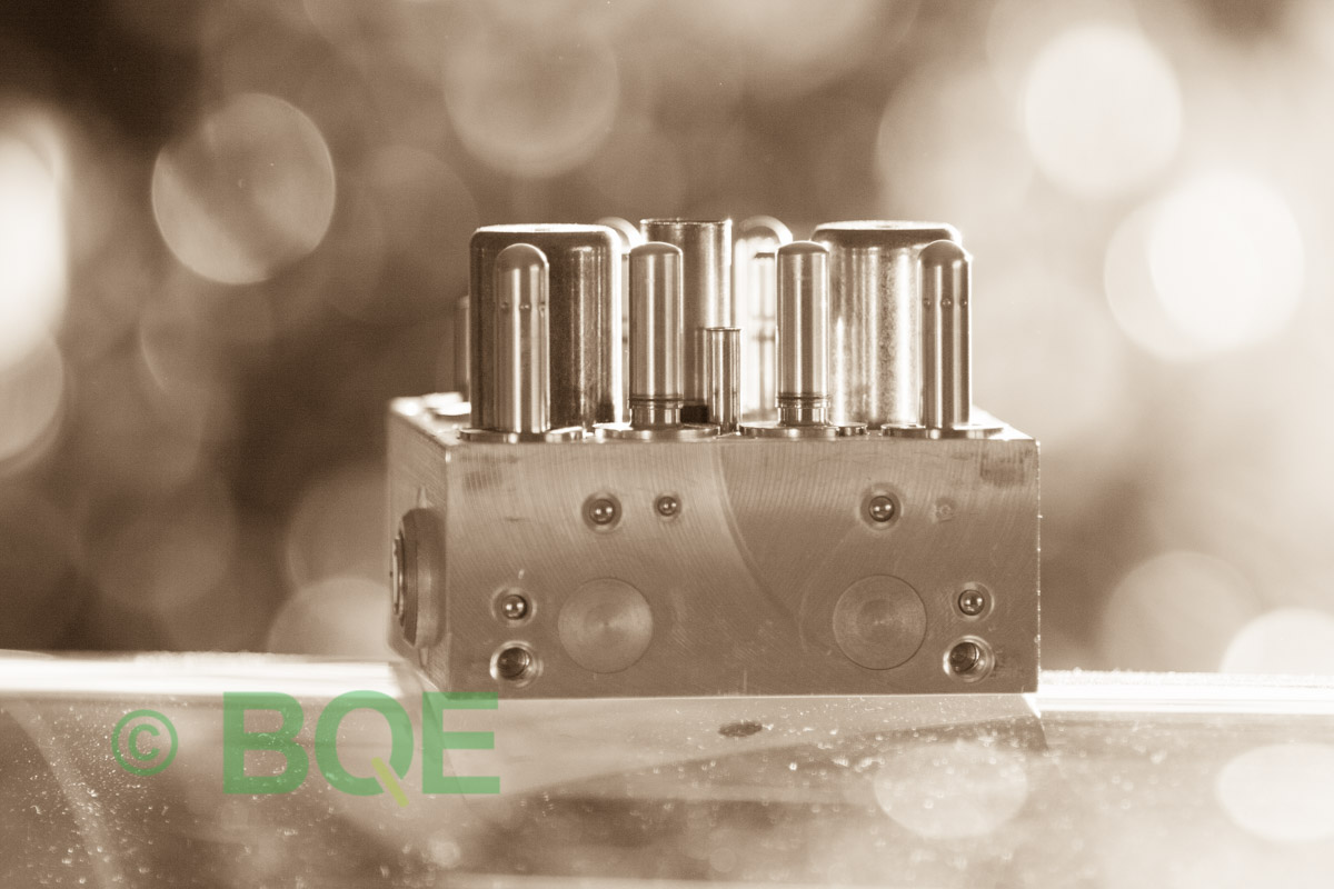 Skoda ABS/ESP ATE Mk60, Artnr: 10096003573, 1K0614517R, 10020601824, Skoda ECUnr = Skoda PumpNr, Felkod: 01435, Bromstryckgivare G201, Hydraulblock, Vy: fäste