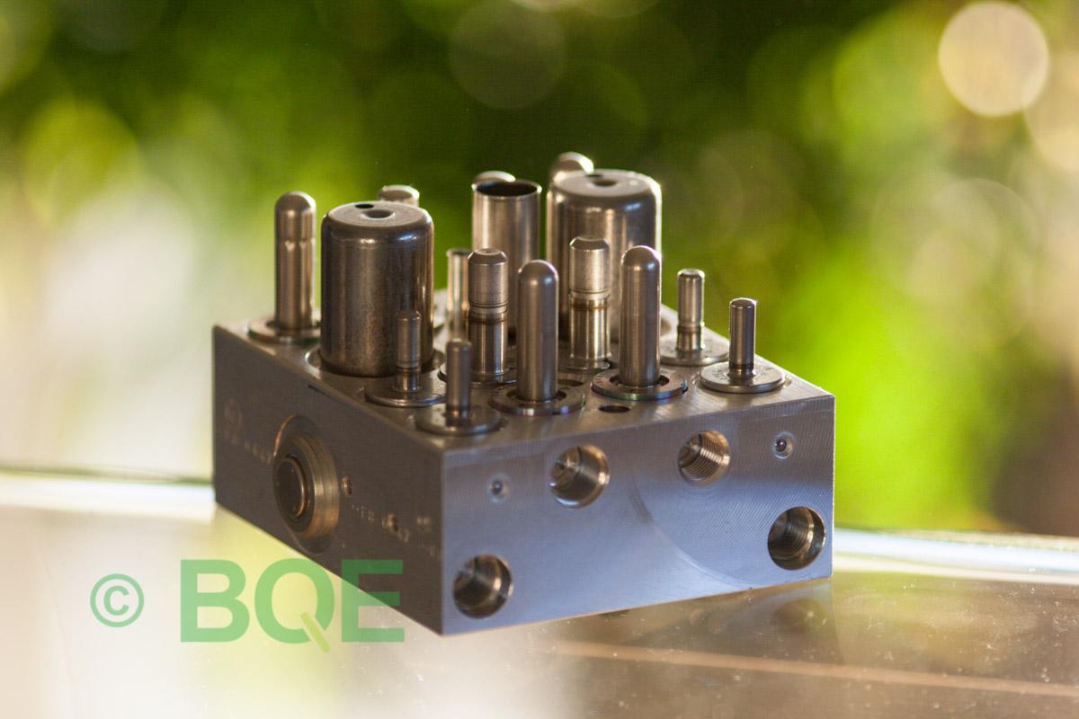Skoda ABS/ESP ATE Mk60, Artnr: 10096003603, 1K0907379AA, 10020602204, 1K0614517T, Felkod: 01435, Bromstryckgivare G201, Hydraulblock, Vy: snett mot bromsrörssida
