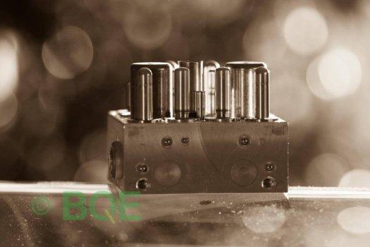 Opel ABS/ESP, ATE, Mk60, HCU, hydraulblock,Felkod C0131, Bromstryckgivare, Artnr: 10096005103, 10020601274, 13157577, Vy från fäste