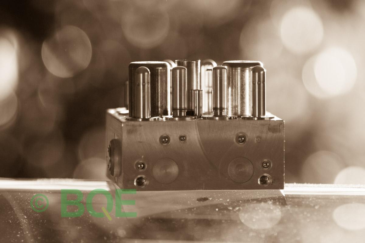 Citroen ABS/ESP ATE Mk60, Artnr: 10096011733, 10020602564, 9662150480, Felkod: C1302 - Bromstryckgivare, C1301 - Bromsljuskontakt, Hydraulblock, Vy: fäste