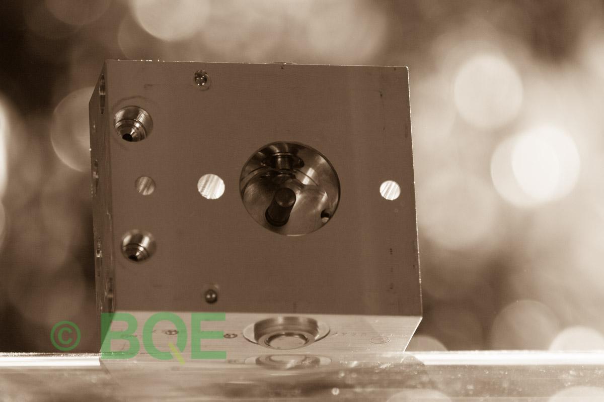 Citroen ABS/ESP ATE Mk60, Artnr: 10096011753, 10020602574, 9662150580, Felkod: C1302 - Bromstryckgivare, C1301 - Bromsljuskontakt, Hydraulblock, Vy: snett mot pumpsida