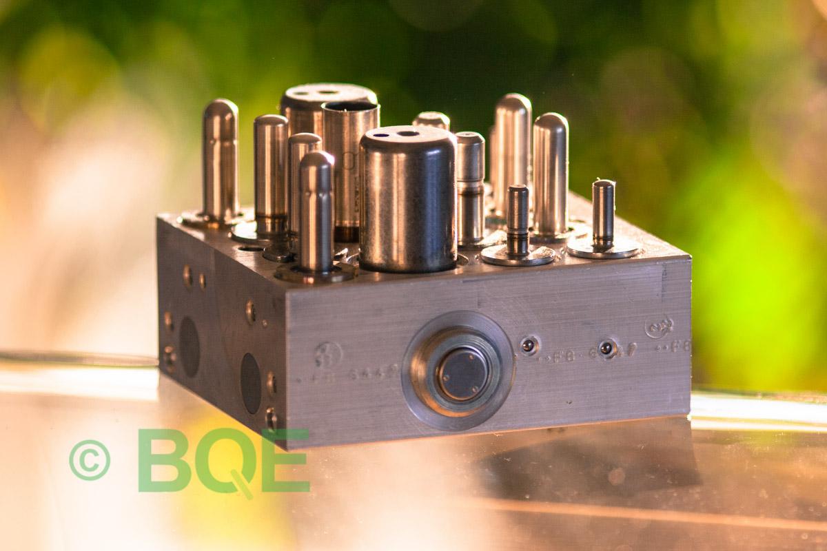 Citroen ABS/ESP ATE Mk60, Artnr: 10096039033, 10020603594, 9665370880, Felkod: C1302 - Bromstryckgivare, C1301 - Bromsljuskontakt, Hydraulblock, Vy: Sida.