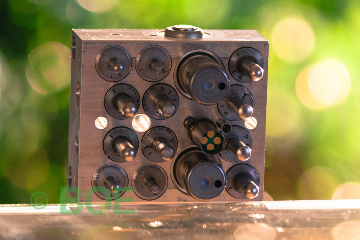 Citroen ABS/ESP ATE Mk60, Artnr: 10096039263, 10020604234, 9674415980, Felkod: C1302 - Bromstryckgivare, C1301 - Bromsljuskontakt, Hydraulblock, Vy: sensorsida
