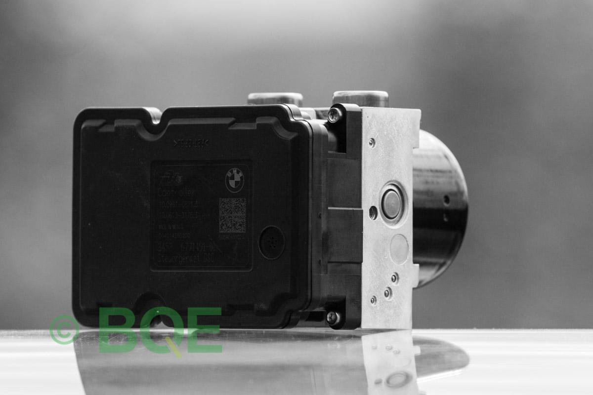 BMW DSC, ABS Ate Mk61, Artnr: 10096108303, 10061333063, 3452677538701, 10021200444, 3451677538601, 10.0961-0830.3, 10.0613-3306.3, 3452 6775387-01, 10.0212-0044.4, 3451-6775386-01, Felkoder: 5DF0 - Felaktig pumpmotor, 5DF1 - Kontaktfel pumpmotor, Fel på tryckgivare, Hela ABS-aggregatet, Vy: snett mot ECU.